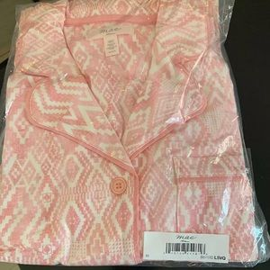Mae women's notch collar short set size M NWOT